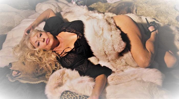 VIP Girlfriend Natasha Skinski