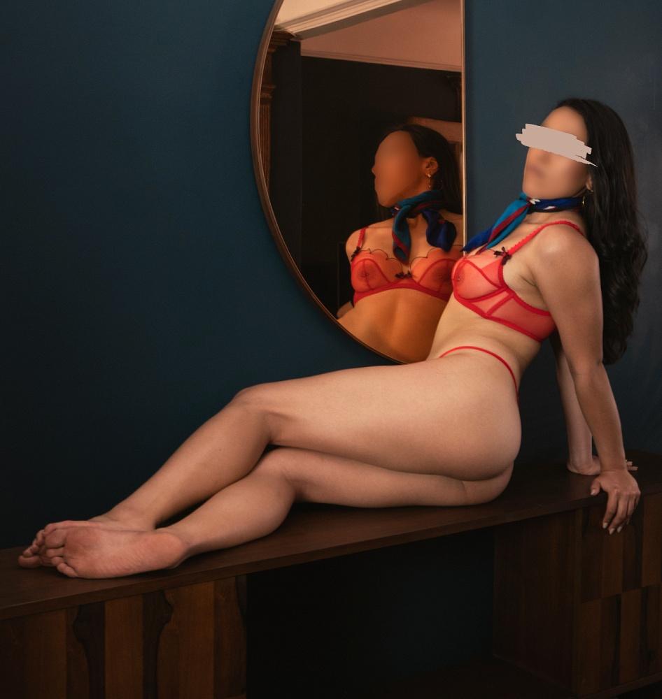 Anita Raye