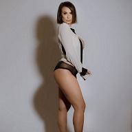 Kamille Luna Reign
