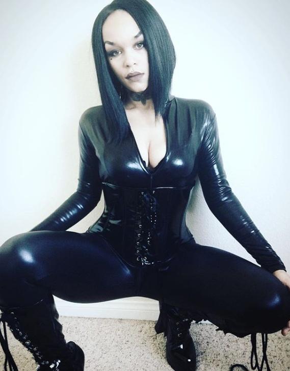 Mistress Bane Belladonna