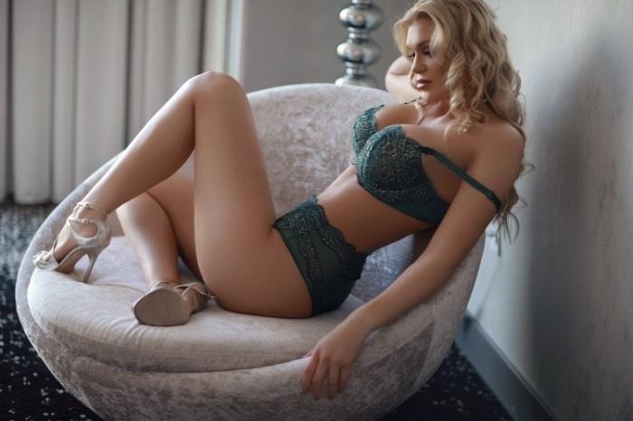 Lindsey Renè