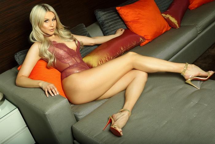 Nicolette Knightley