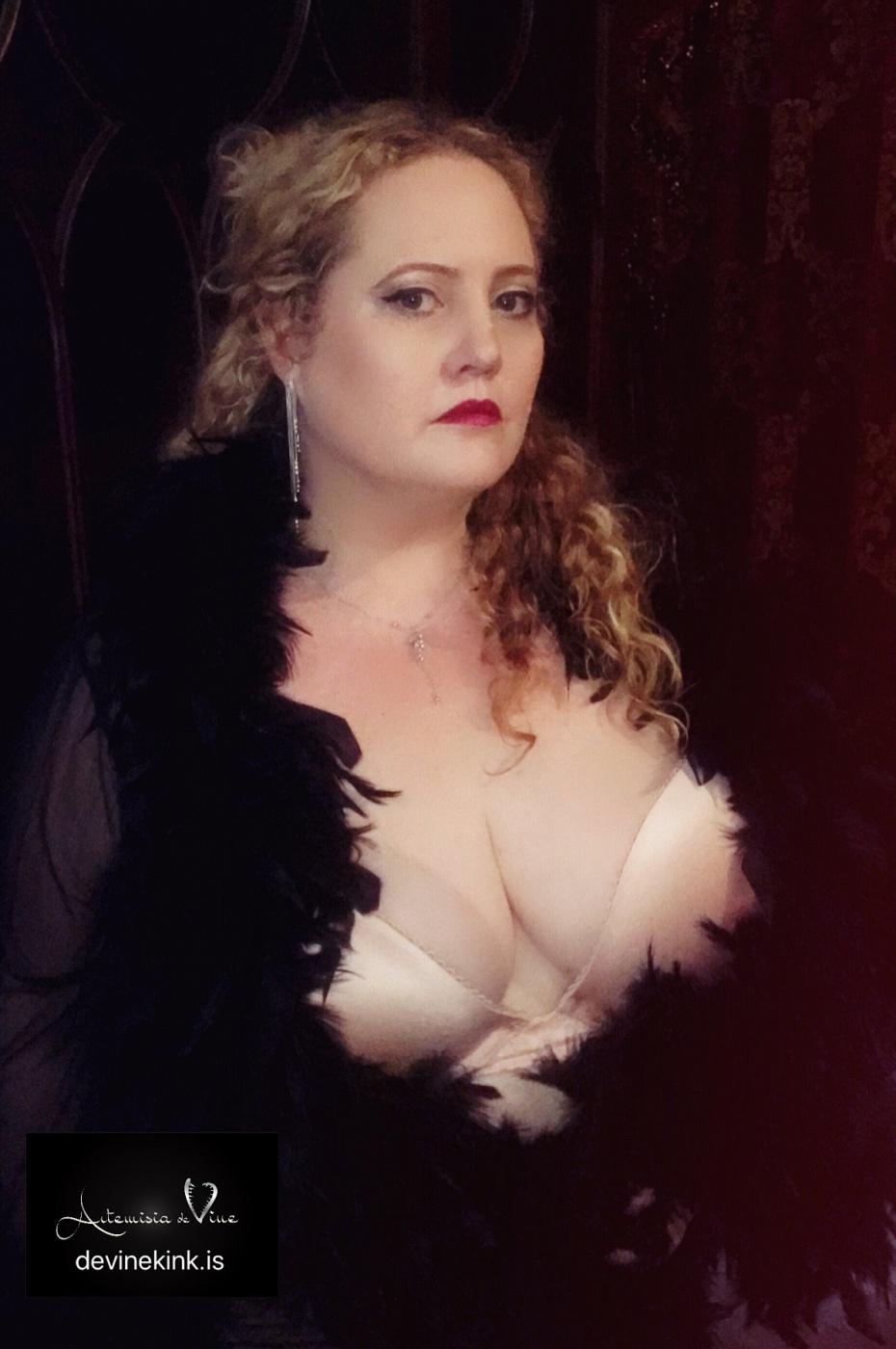 Mistress Artemisia de Vine