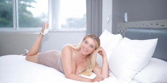 Scarlett's Cover Photo