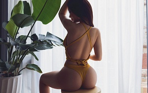 Margot Miu Escort