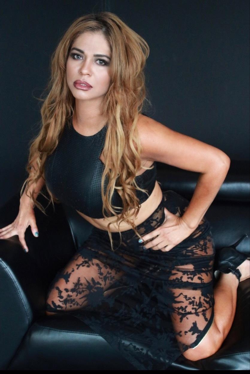 Andrea Grey