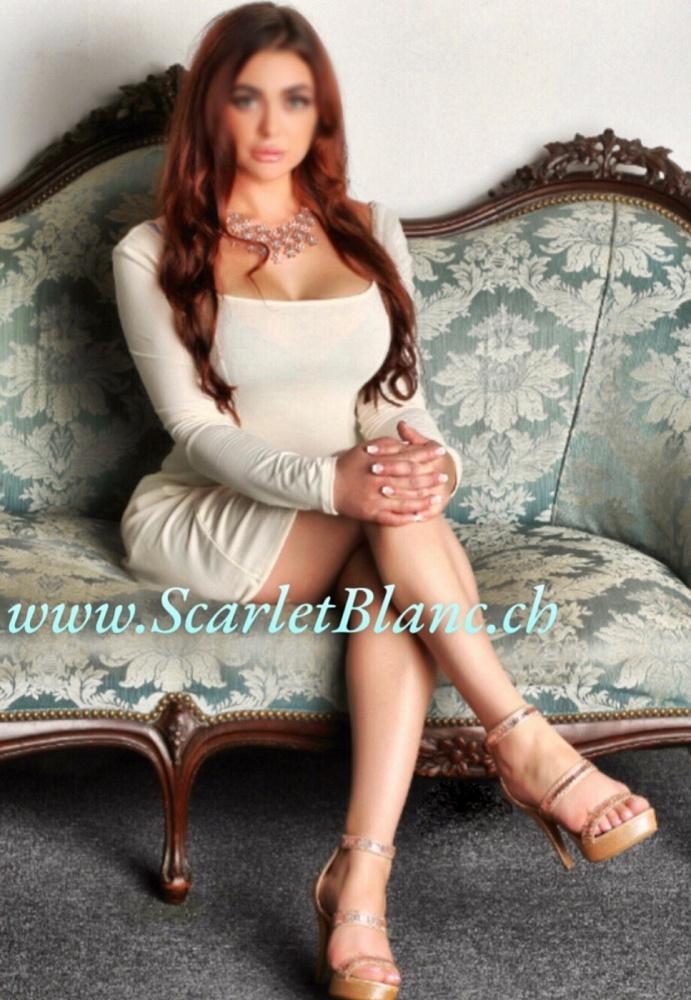 Scarlet Blanc