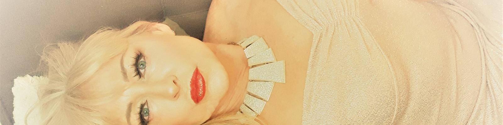 VIP Girlfriend Natasha Skinski's Cover Photo