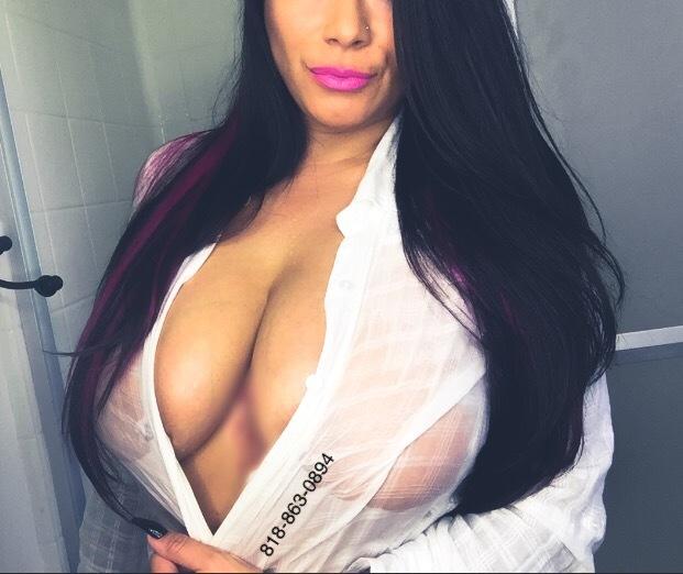 Busty Sandra