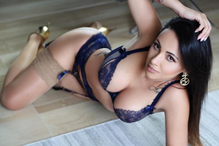 Nicole De Janeiro
