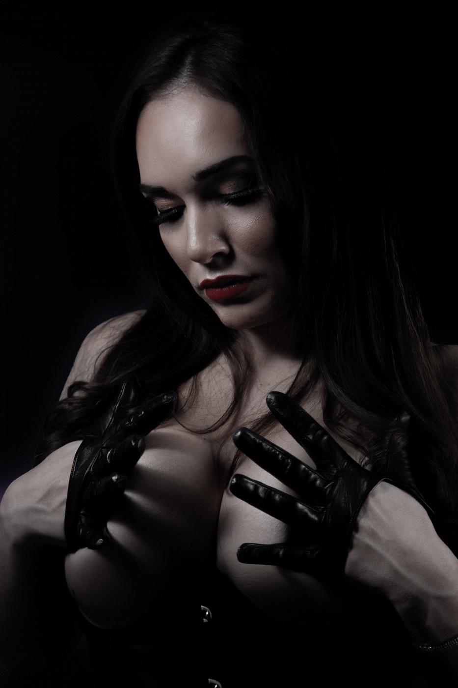 Alexxa Von Hell