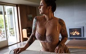 Jocelyn Mae Escort
