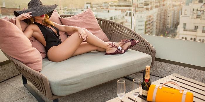 Carla Suarez's Cover Photo