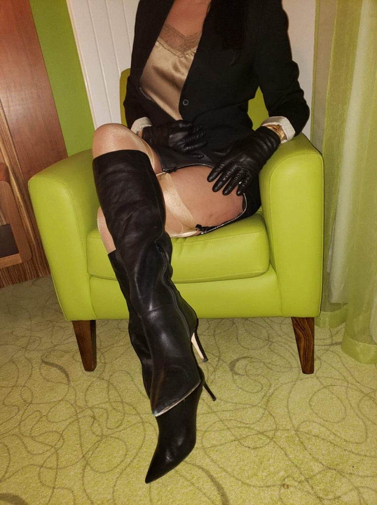 Miss Jones Dominatrix Boss Web