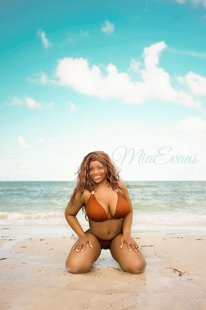 Mia Evans