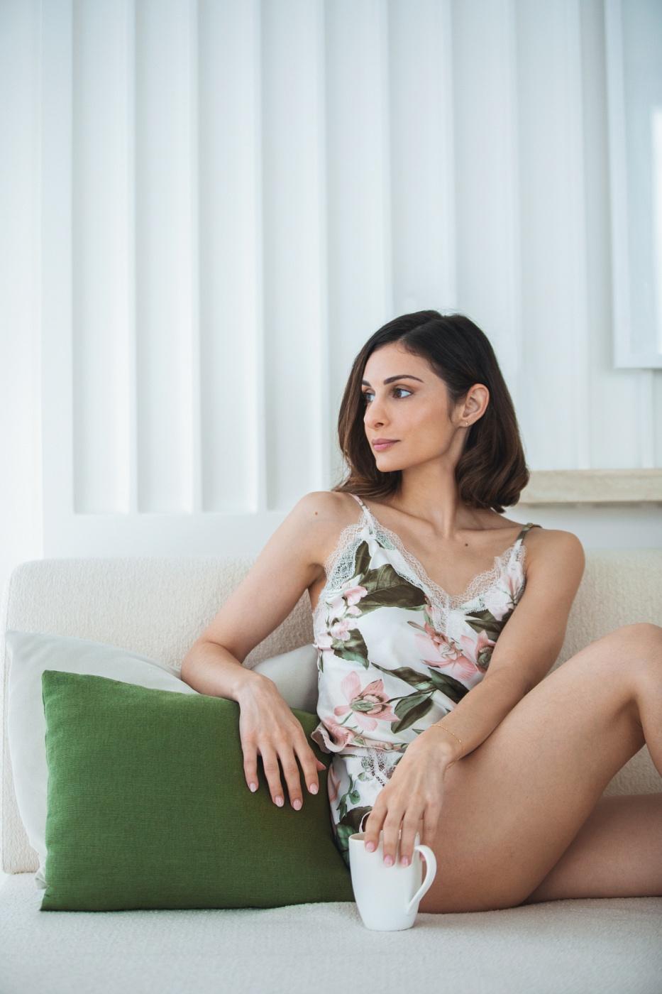Ms Natalia Hale