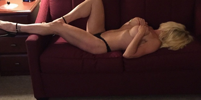 Sexy Sarah's Cover Photo