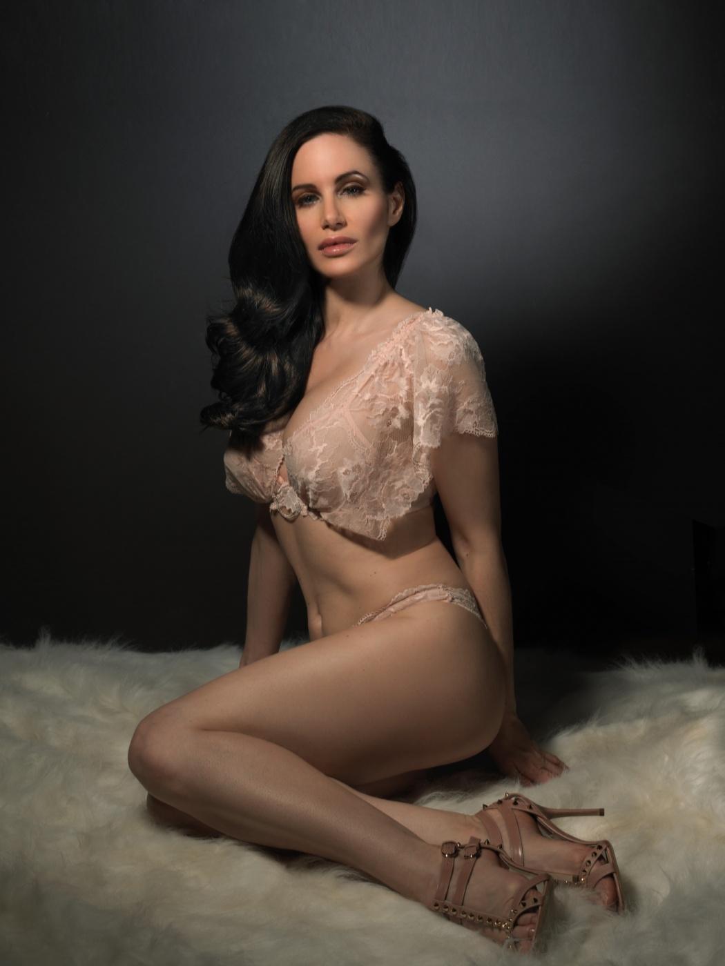 Ashley Leigh Vivian
