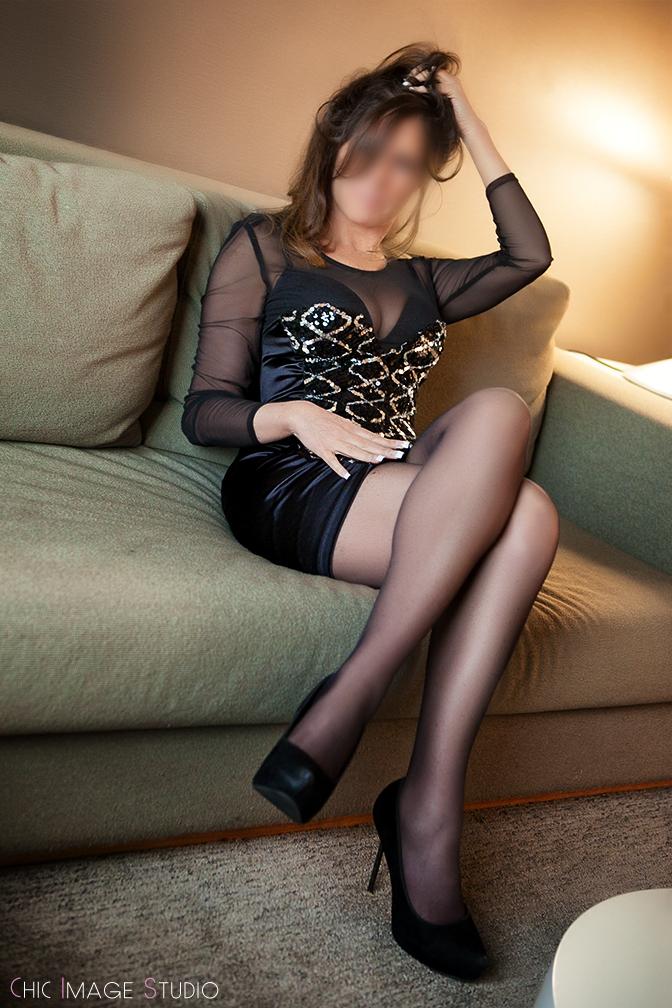 Sexy Sheri Gold