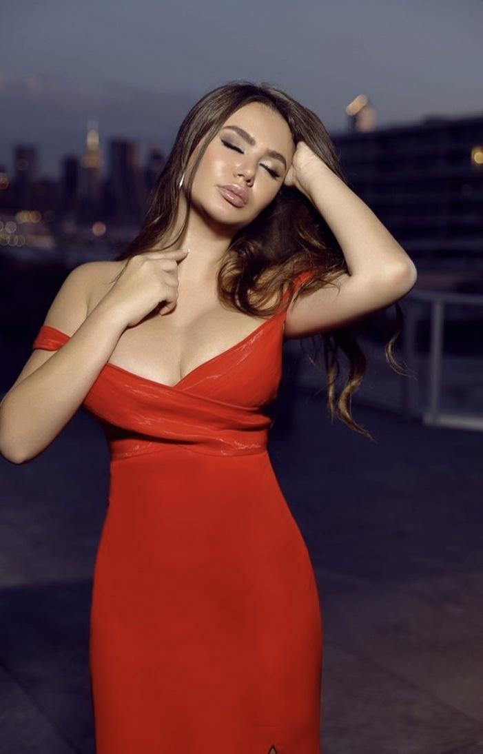 Alexa Grey