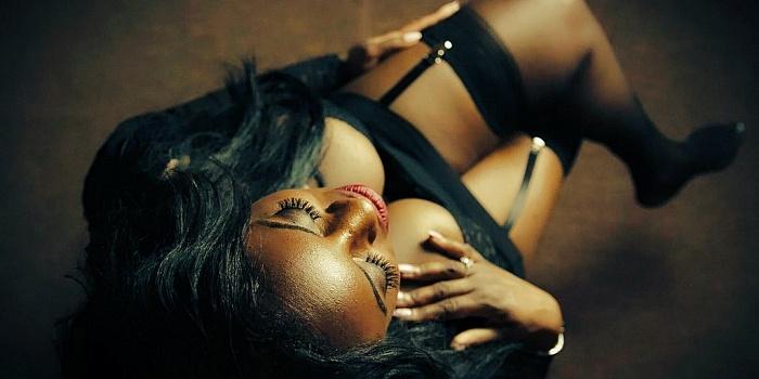 Caris Quinn's Cover Photo
