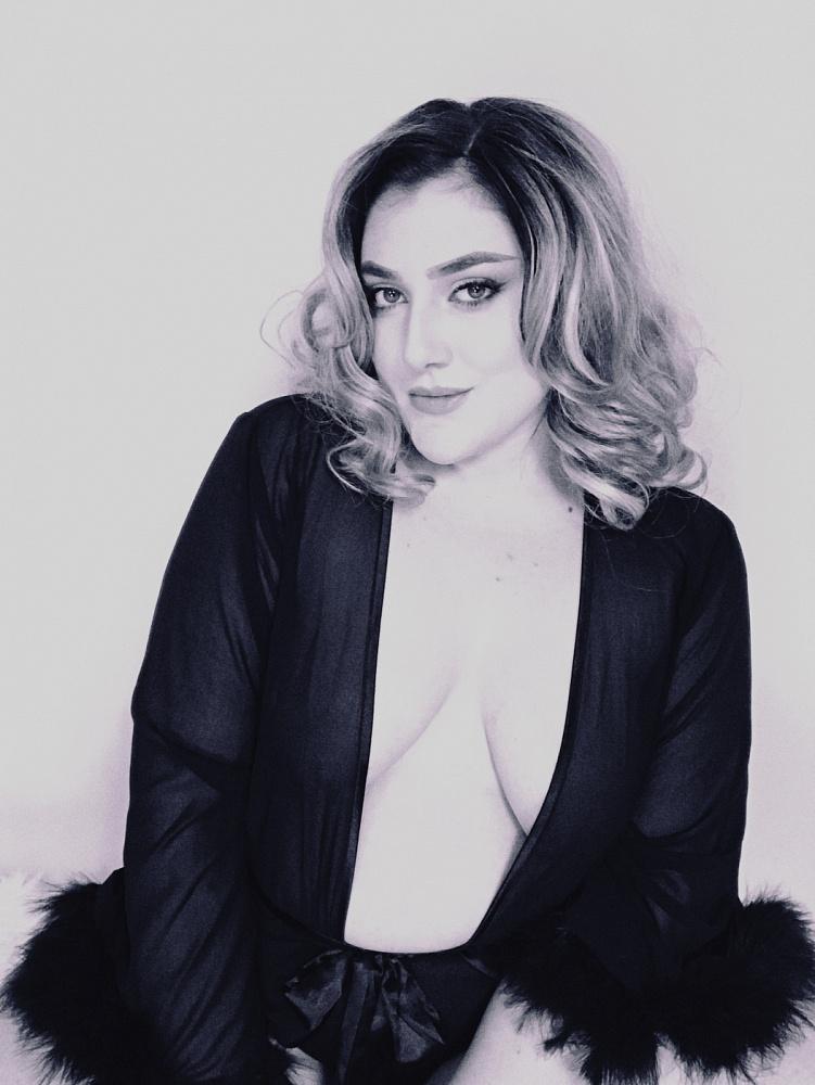 Ana Renée