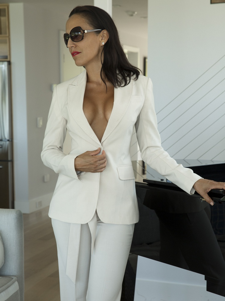 Mia - French Elegance