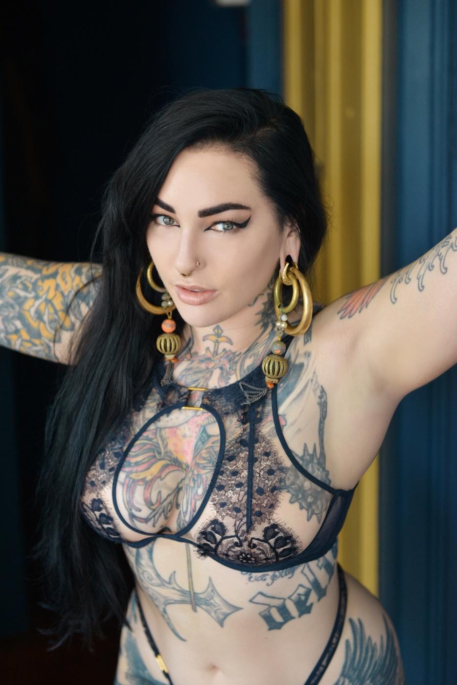 Adahlia Cole