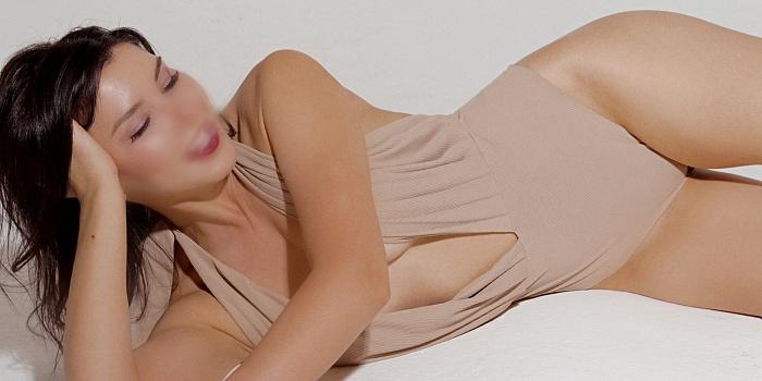 Nina Lo's Cover Photo