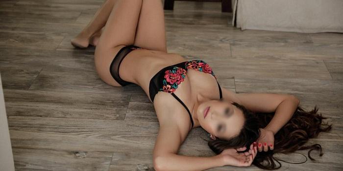 Renata Ren's Cover Photo