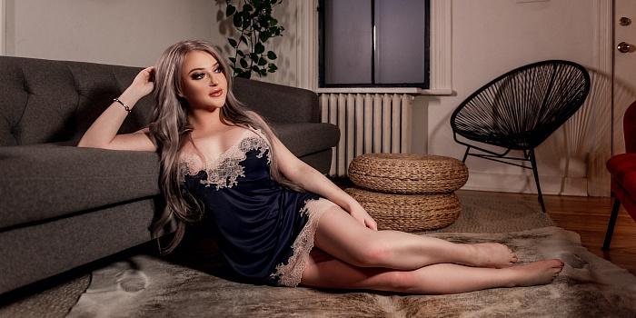 Karina Valentina's Cover Photo