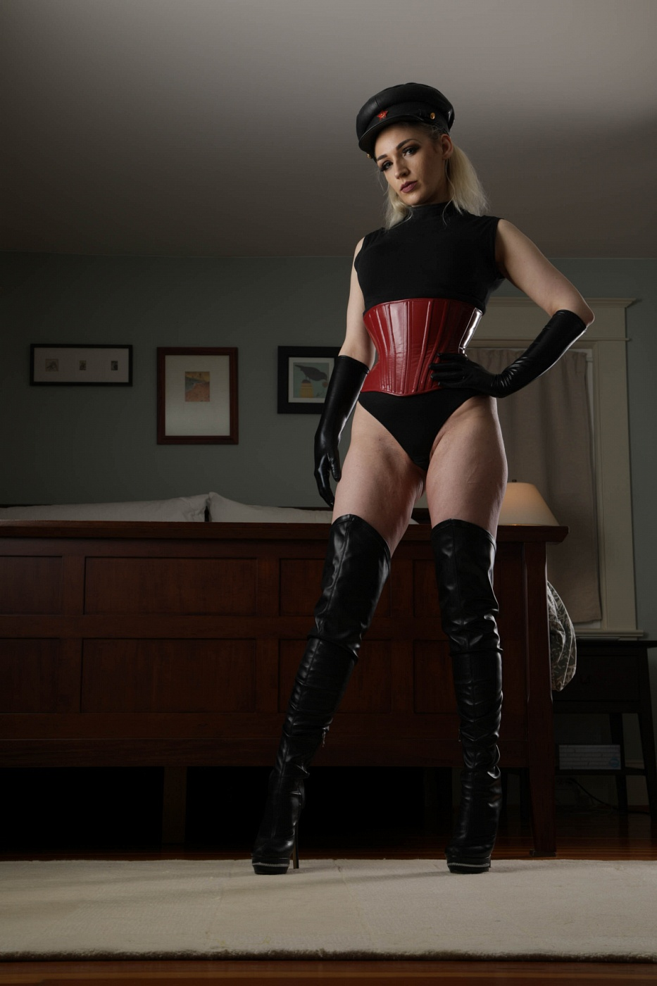 Domina Ruby Enraylls