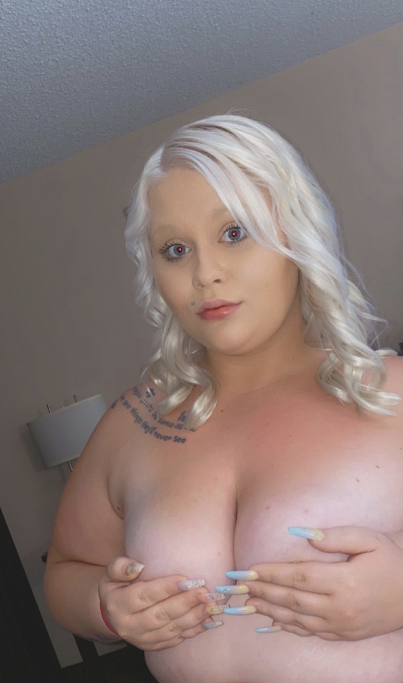 Nicole Lynn
