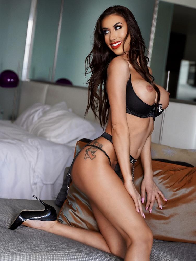 Natasha Mynx