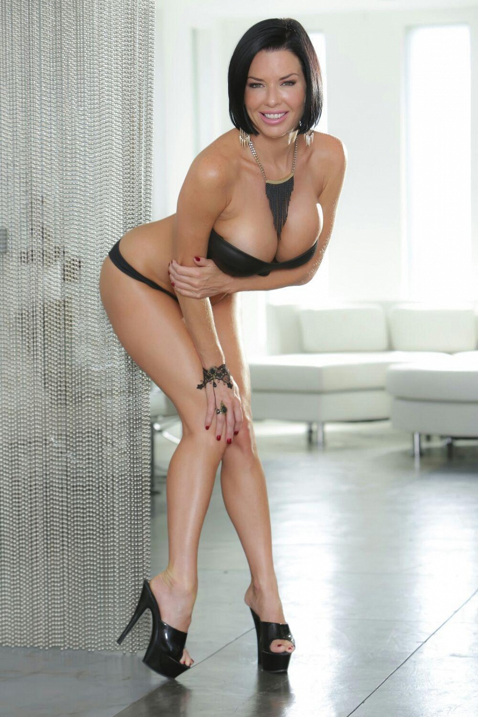 Porn SuperStar Veronica Avluv
