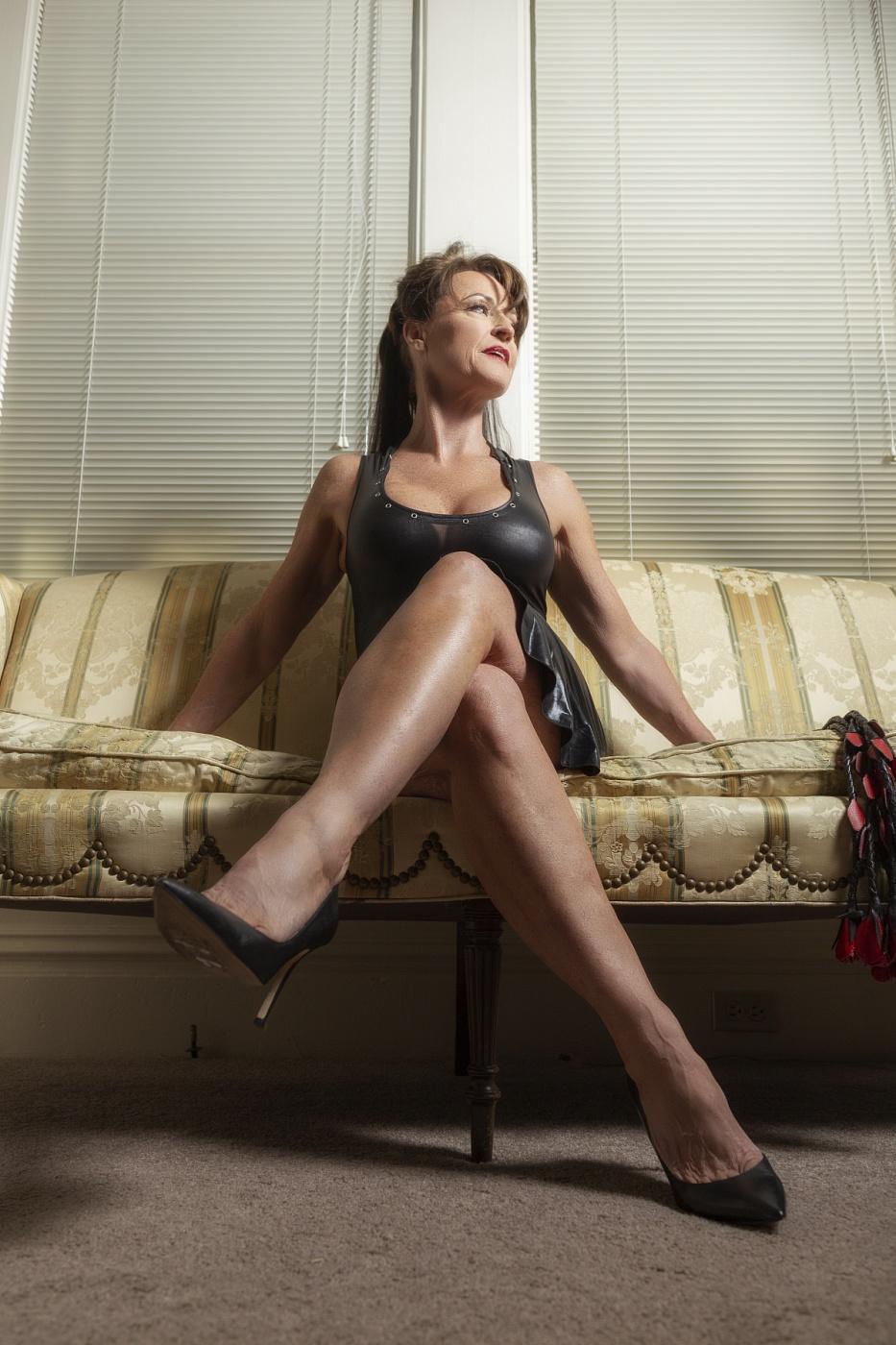 Ms Cassandra Creant
