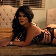Melanie Banks Escort