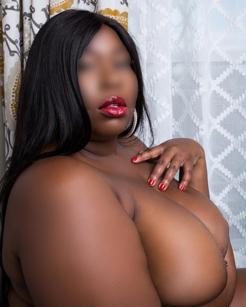 Cherry La Femme