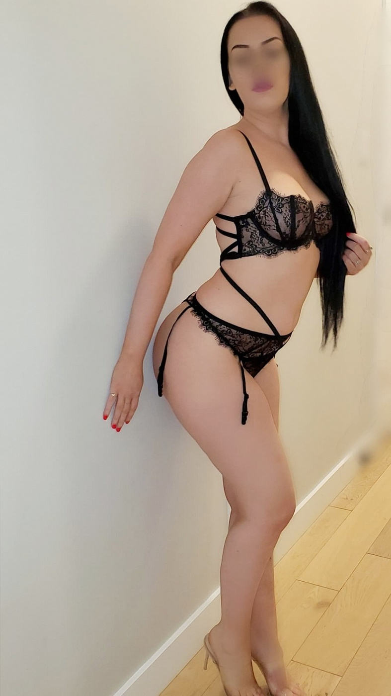 Pamela Luscious