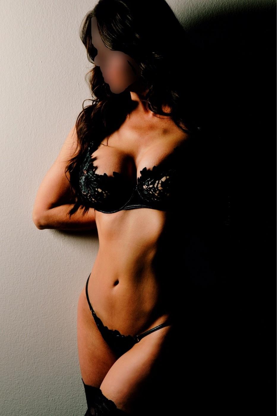 Thalia Kiss