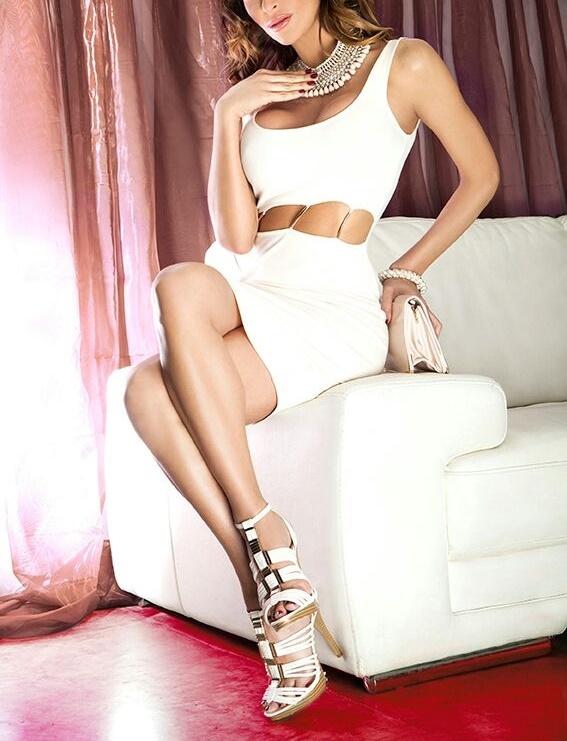Julia Landon