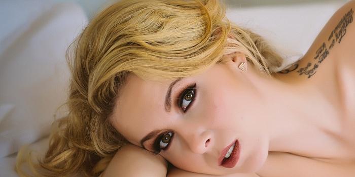 Brittany Lewinski's Cover Photo