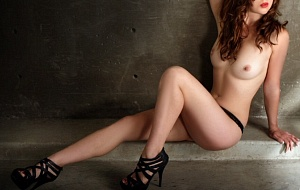 Bobbi Renee Escort