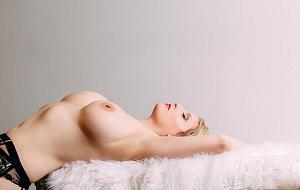 Holly Evans Escort