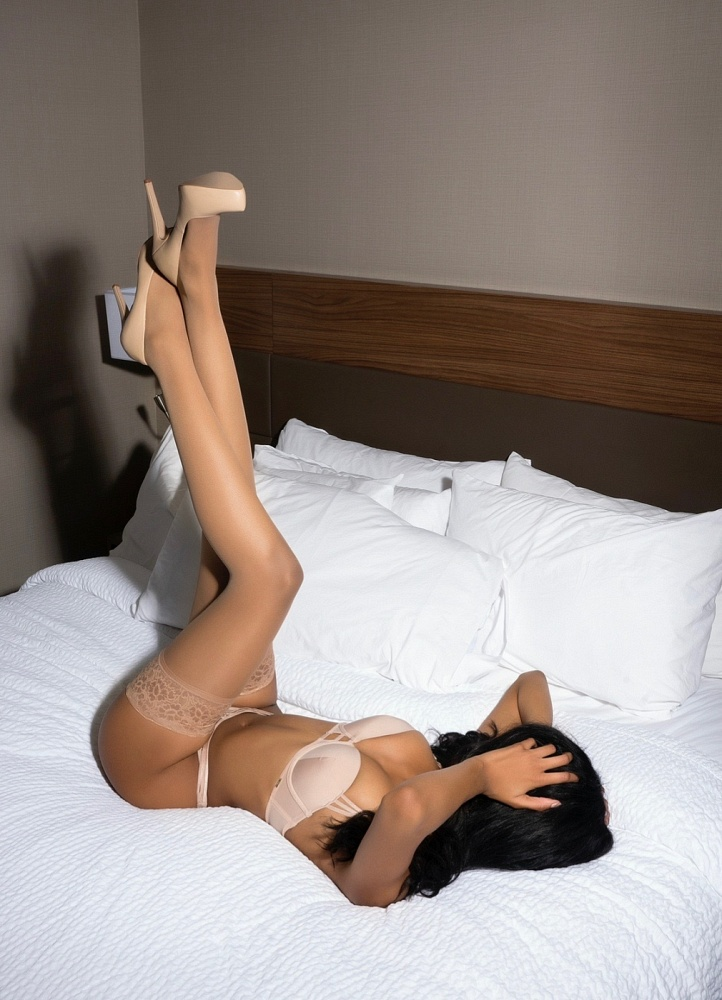 Model Madison Ava
