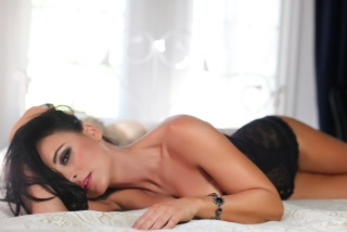 Monika Bello